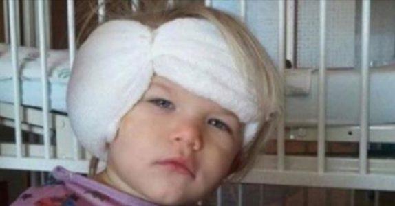 Jenta får ørene operert. Men når hun våkner, ser hun hva legen har gjort – uten å spørre!