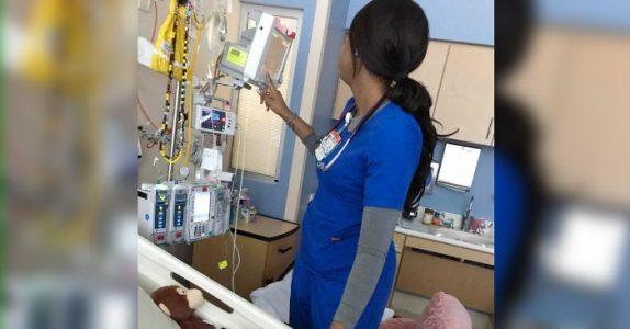Sykepleieren tror ikke familien ser. Men når moren ser nærmere, klarer hun ikke å være stille lenger!