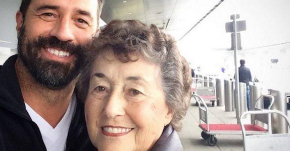 Hun tok vare på sin syke ektemann i 20 år. Men når han døde, avslørte sønnen en stor overraskelse!