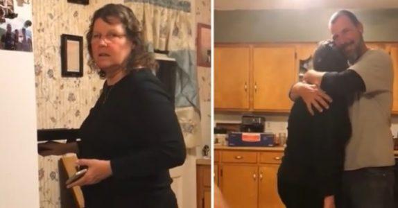 Hun finner en bolle i ovnen. Likevel klarer hun ikke å skjønne hva sønnen prøver å fortelle!