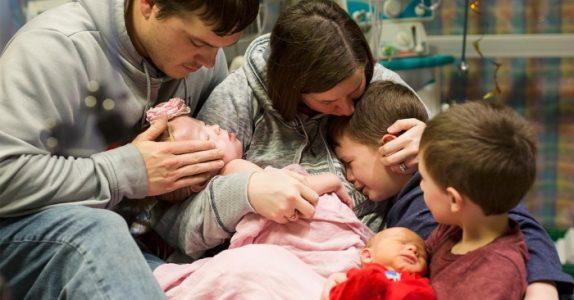 De ble tvunget til å ta farvel med datteren. Nå ønsker de at alle får opp øynene for dette problemet!