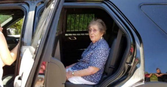 Den 93-årige kvinnen ble arrestert på sin egen bursdag. Årsaken sjokkerer alle!