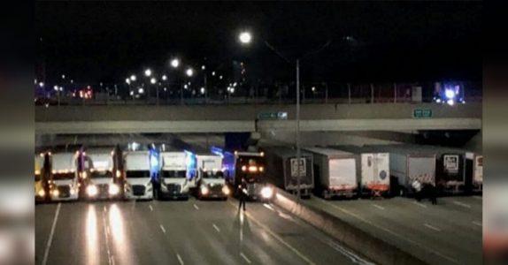 Ingen skjønner hvorfor motorveien blokkeres av lastebiler. Men når årsaken avsløres kommer tårene!